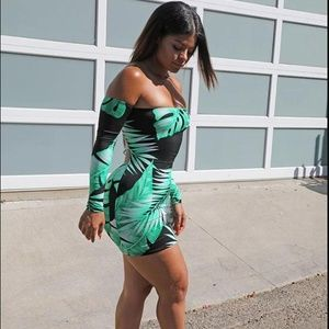 Off Shoulder Long Sleeve Backless Mini Dress Mint